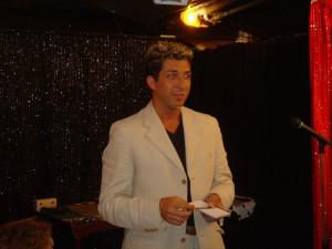 """Alain in conferenza presso il circolo di prestigiatori """"Magica"""" di Nizza."""